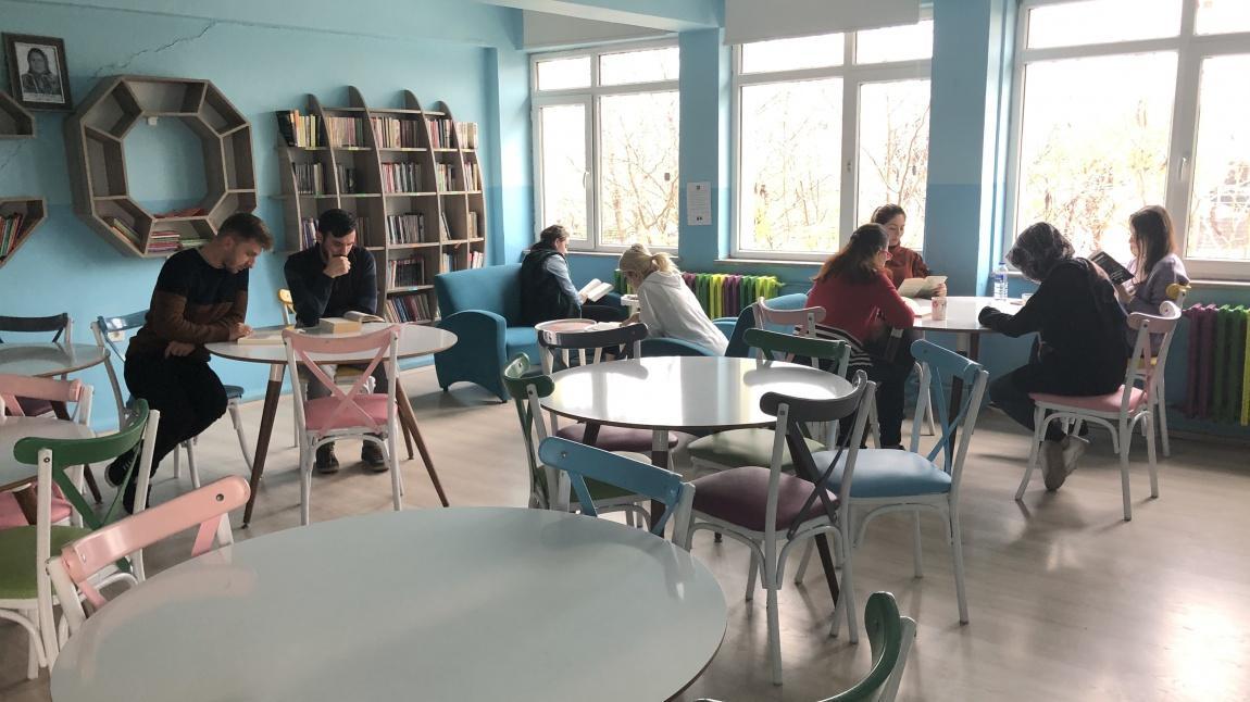 Ara Tatil Kitap Okuma Ve Tas Boyama Etkinligimiz Cevizkoy Ortaokulu
